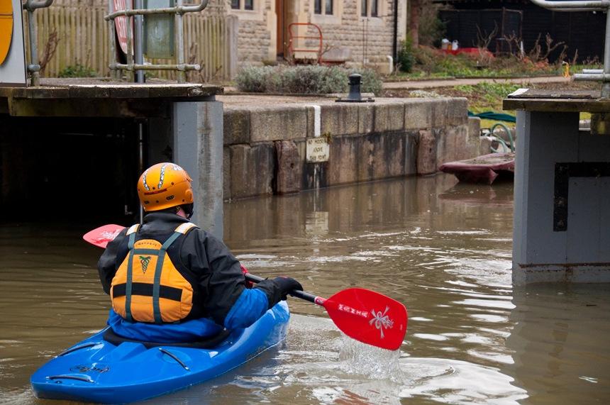 Neil enters Iffley Lock
